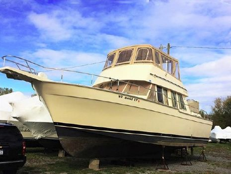 2005 Mainship 43 Aft Cabin Port Profile