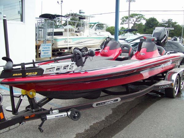 2013 Legend Alpha 211 DCX Bass Boat