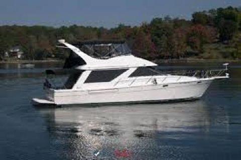 1998 Bayliner 3988 Sedan Bridge MY Starboard Profile