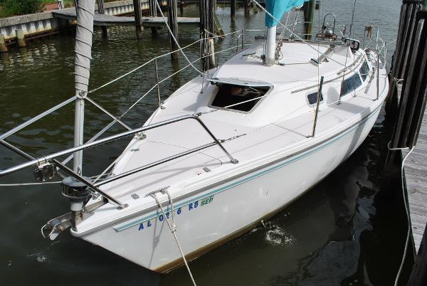 Check out this 1992 CATALINA 28 MkII on Boattrader com