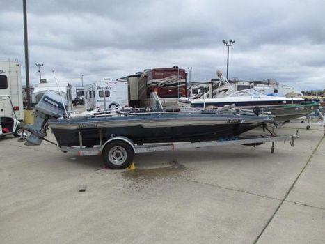 1984 Champion Boats 18 Foot Bass Boat