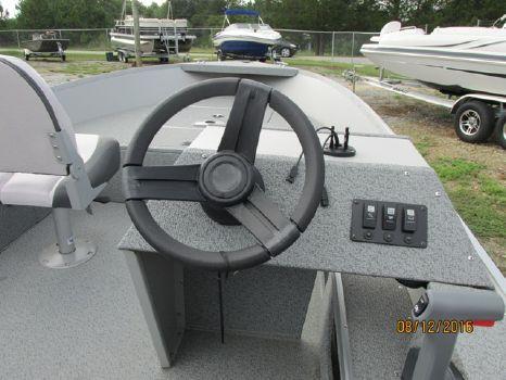 2016 Smoker-craft 161 Pro Camp
