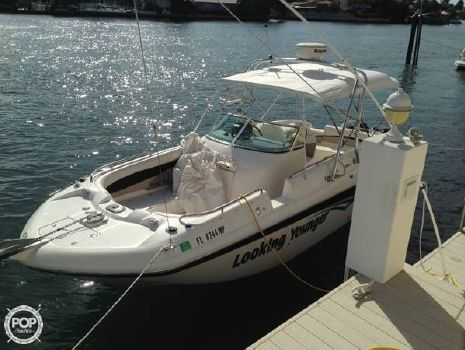 2004 Hurricane 260 SD 2004 Hurricane 260 Sundeck for sale in Boca Raton, FL