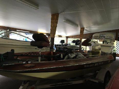 1982 Monark Bass Boat
