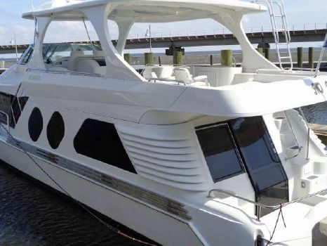 2003 Bluewater Yachts 5800 COASTAL CRUISER Port View