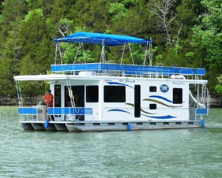2007 Houseboat Custom Pontoon Houseboat Bow