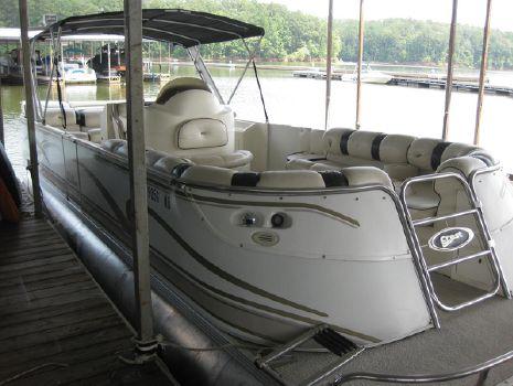 2002 Crest Pontoon Boats Ultra Center Console