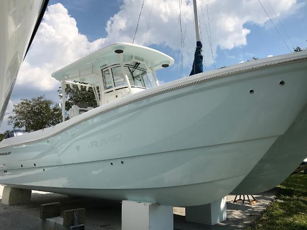 New 2019 World Cat 280 Cc-x, Sarasota, Fl - 34243
