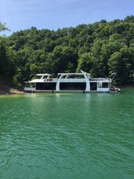2015 Thoroughbred 19.6 x 95 House Boat