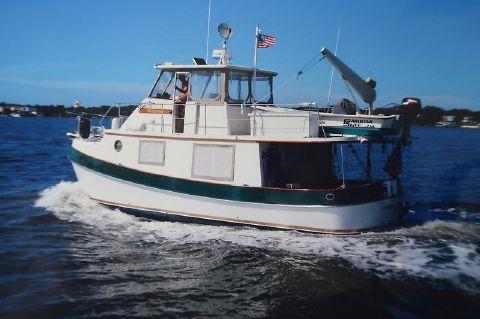 1984 Kadey-Krogen Manatee Hogfish underway.JPG