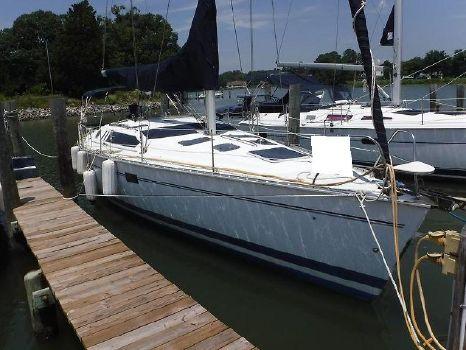 1994 Hunter Sailboat 1.jpg