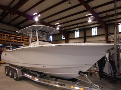 2017 Sea Hunt Gamefish 30 With Forward Seating