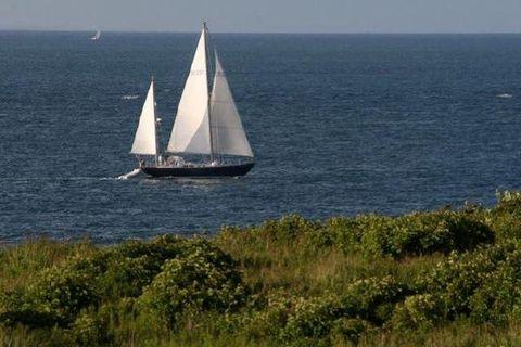 1976 Hinckley Sou'wester 50 Yawl At sea