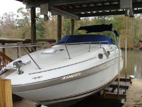 1999 Sea Ray 260 Sundancer Covered Slip