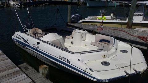 2005 Hurricane Deck Boat