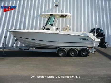 2017 Boston Whaler 250 Outrage