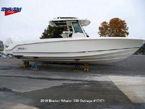 2017 Boston Whaler 330 Outrage
