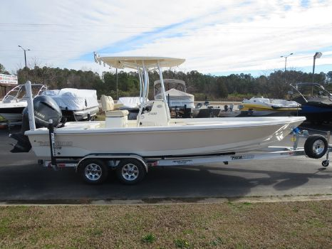 2015 PATHFINDER BOATS 2400 TRS