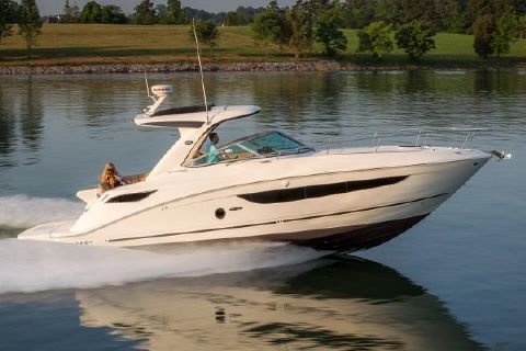 2016 Sea Ray 350 Sundancer Manufacturer Provided Image