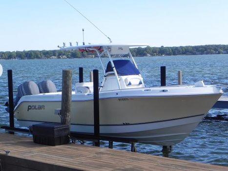 2007 Polar Boats 2300 Center Console