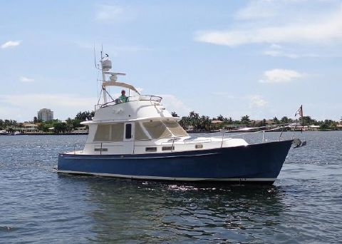 2005 Legacy Yachts Sedan