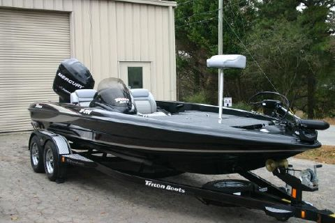 2006 Triton Tr200x