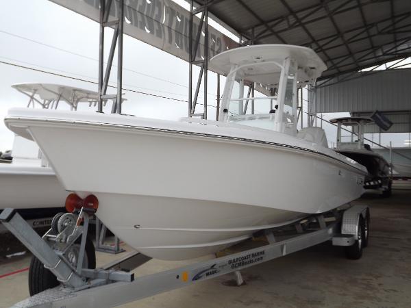 2017 Everglades Boats 243 Cc