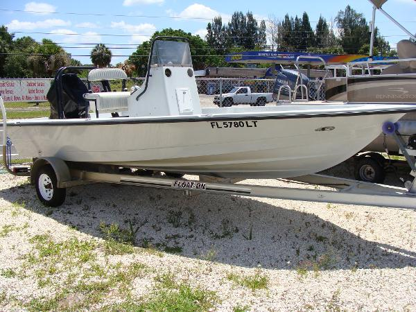 2001 Pathfinder BAY BOAT