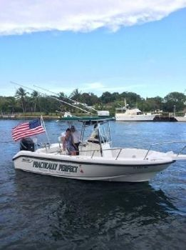 1999 Boston Whaler Outrage 23