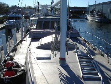 2000 Topper Hermanson Island Cargo design Fore deck