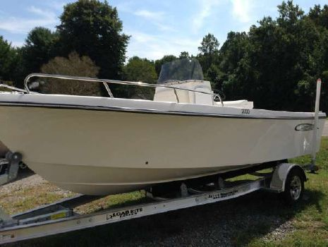 2016 May-craft 2000 Center Console