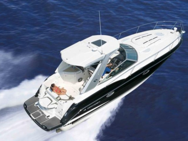 2013 Monterey Cruiser & Yacht 320SY