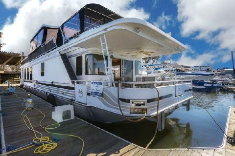 2005 Sumerset Houseboat Starboard View 2