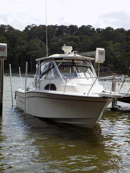 2005 Grady-White 300 Marlin at her lift slip