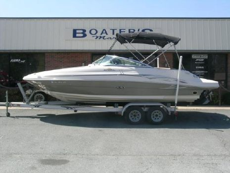 2006 SEA RAY Sun Deck 220