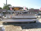 2016 SUN TRACKER Party Barge 22 DLX Signature