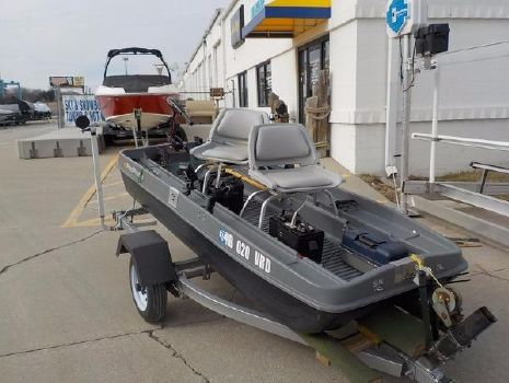2012 POND PROWLER 10ft. Pond Prowler Deluxe