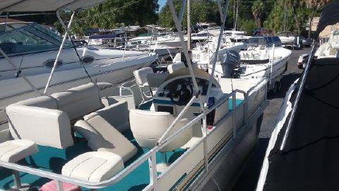 2001 Crest Pontoon Boats 18 Fisherman Sport