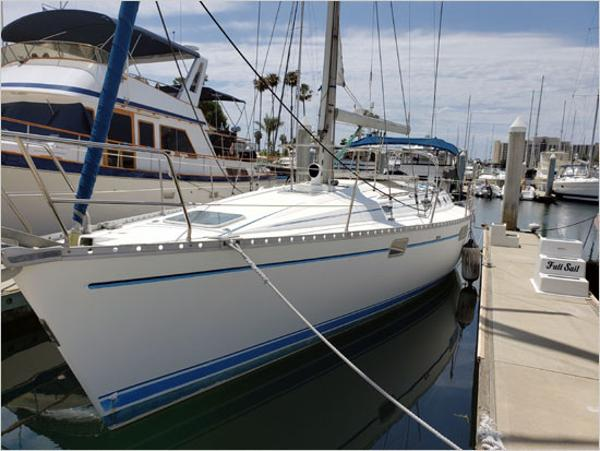 Check Out This 1993 Beneteau Oceanis On Boattrader Com