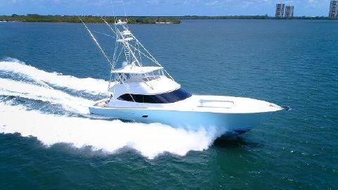 2010 Viking 82 Convertible