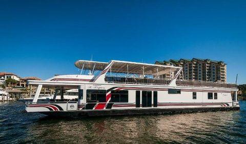 2005 Sumerset Houseboats 90 Houseboat Port Profile