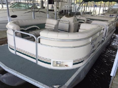 2000 Smoker-craft 8526 Pleasure Isle
