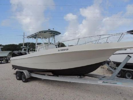 1997 Caravelle Boats 280 Center Console