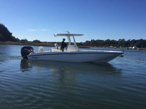 2016 Boston Whaler 270 Dauntless