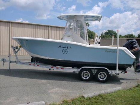 2016 Tidewater Boats LXF 230