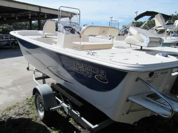 2014 Carolina Skiff DLV 198