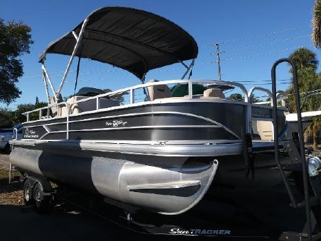 2017 SUN TRACKER Fishin' Barge 22 DLX