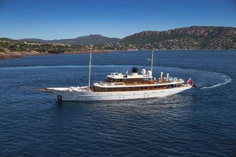 2001 Turquoise Yacht Construction Motoryacht 156' Turquoise port forward profile