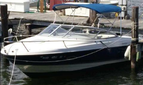 2006 Bayliner 212 Capri Cuddy