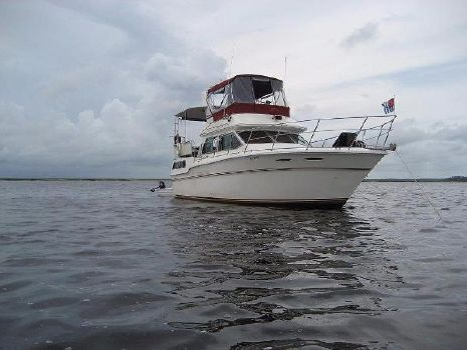 1984 Sea Ray 36 Aft Cabin